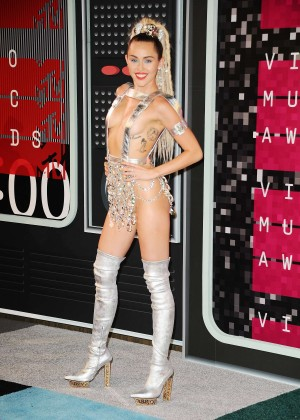 Miley Cyrus: 2015 MTV Video Music Awards in Los Angeles [adds]-77